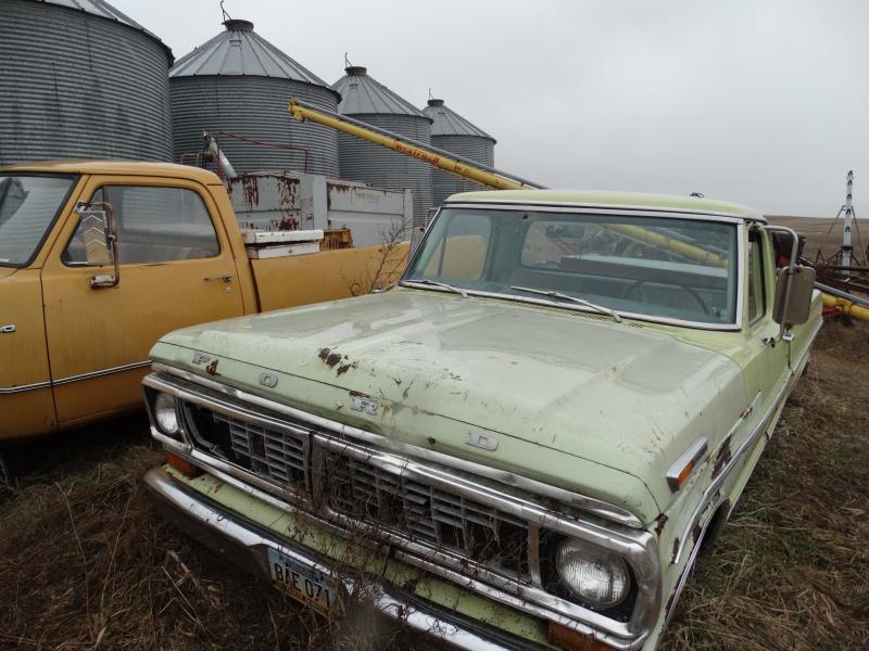 Farm Machinery Estate Auction Pifer S