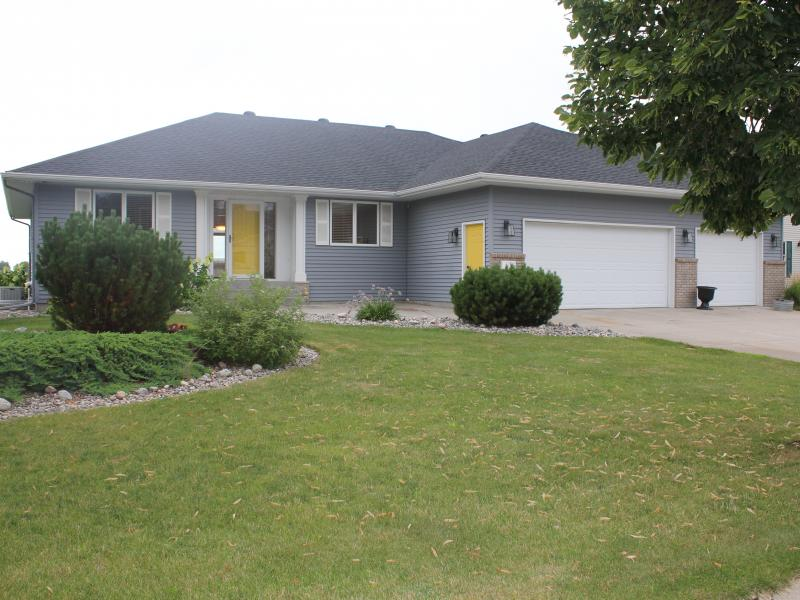 Sale Pending House For Sale 423 Clearview Court
